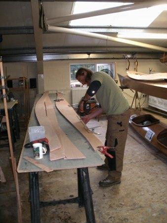 building-wooden-candian-canoe.jpg