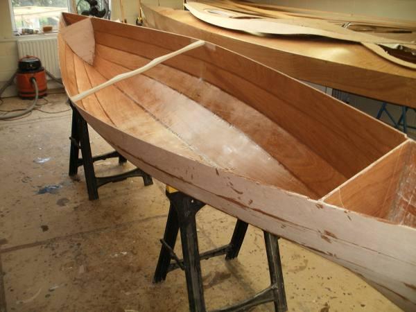 building-wooden-canadian-canoe.jpg