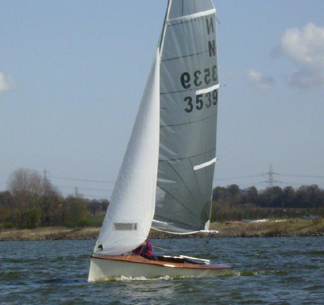 fyne-boat-kits-national-12-beating.jpg