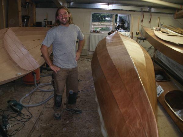 happy-builder-canadian-canoe.jpg