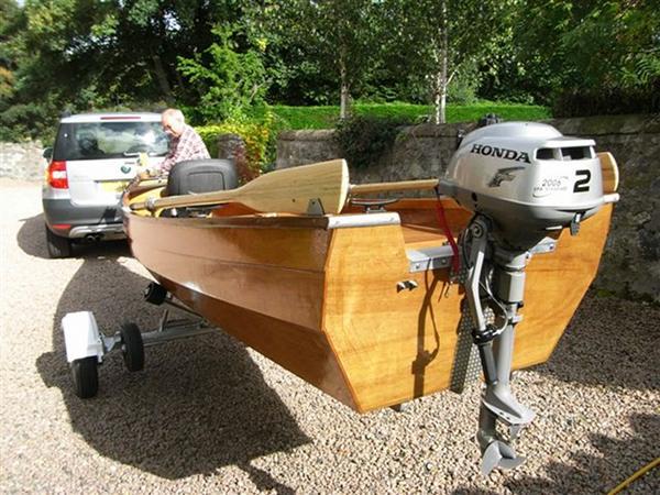 motor-canoe-trailer.jpg