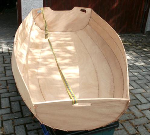 wooden-rowing-boat-self-build.jpg